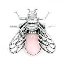 BR036-02 Брошь - кулон Муха 35х38мм с камнем Розовый кварц