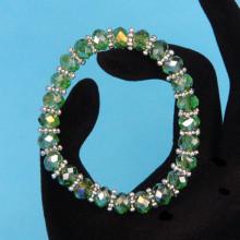 BS152-2 Браслет из стеклянных бусин с разделителями, огранка 8мм, цвет зелёный