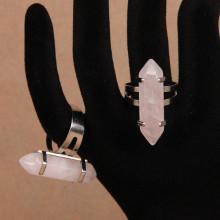KL017-01 Кольцо с натуральным камнем Розовый кварц, безразмерное, нерж.сталь