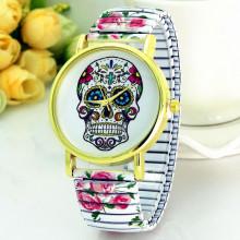 WA044-W Часы наручные Череп с белым браслетом - резинкой