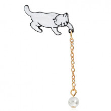 ZN015 Значок Кошка с шариком, металл, эмаль 30х15мм